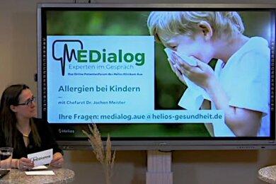 Chefarzt Jochen Meister und Pressesprecherin Katharina Kurzweg gestalteten den Medialog als Zwiegespräch.