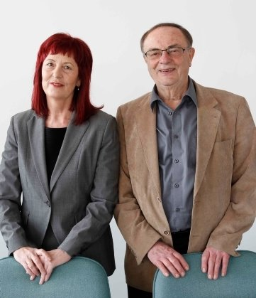 Sie beantworteten zwei Stunden lang die Fragen der Leser: Prof. MarkolfHanefeld (rechts) und Dr. Petra Ott.