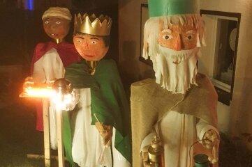 Auch die drei Weisen aus dem Morgenland grüßen am Wegesrand.