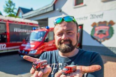 Stefan Wagner hat die Fahrzeuge des Fuhrparks der Freiwilligen Feuerwehr Adorf in Miniaturformat nachgebaut.