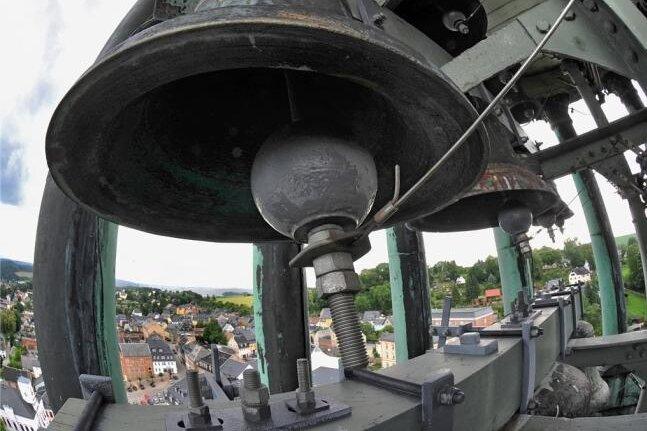 Entscheidung zur Zukunft von Lößnitzer Glockenspiel mit Nazi-Inschriften gefallen