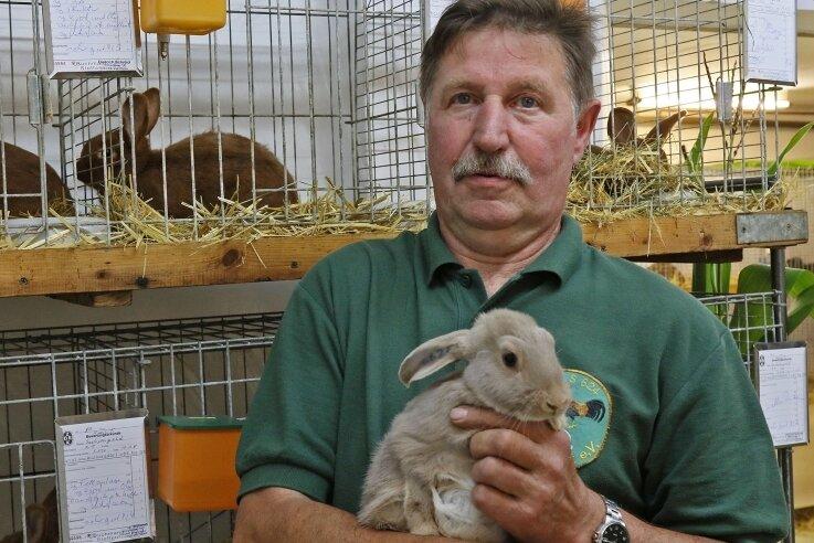 Hobbyzüchter Uwe Balster war glücklich, dass er endlich mal wieder einige seiner Tiere auf einer Schau präsentieren durfte.