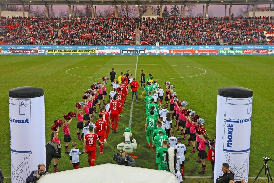 5270 Zuschauer kamen am 21. März zum Benefizspiel des FSV gegen Borussia Mönchengladbach (1:3).