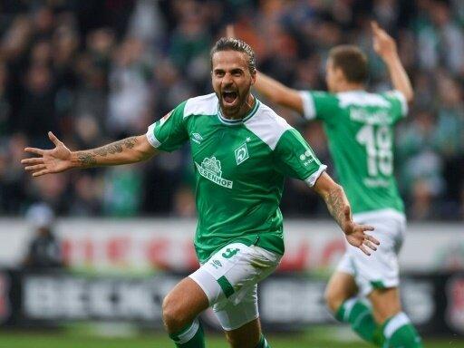 Martin Harnik erzielt das 1:0 für Werder Bremen