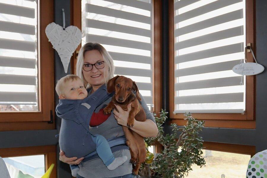 Nadine Obst-Henschel mit ihrem Sohn Franz-Tamme.