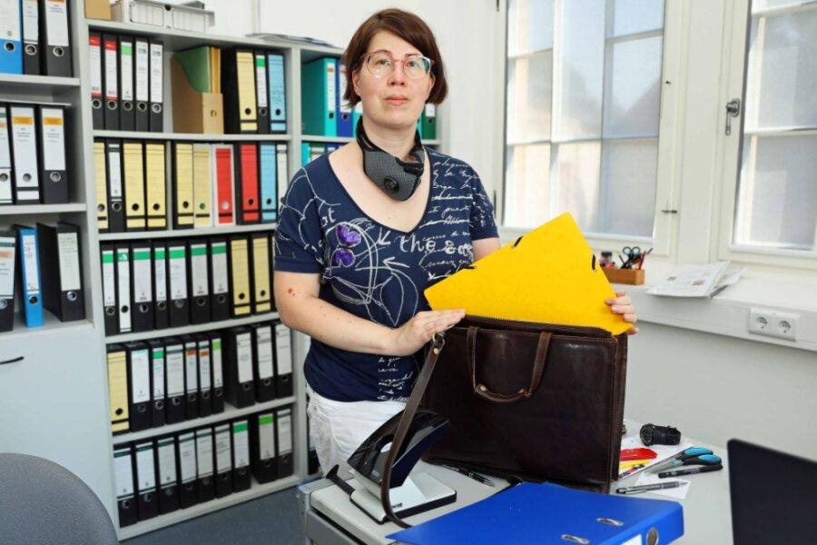 Jana Kämpfe hat ihren Schreibtisch in der Tuchfabrik geräumt. Heute ist ihr letzten Arbeitstag.