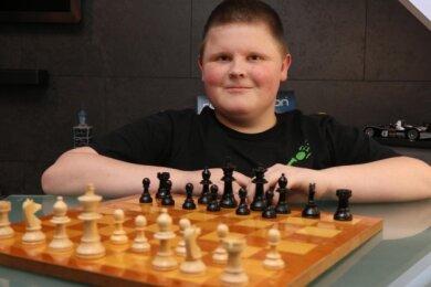 Nico ist ein begeisterter Schachspieler.