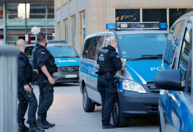 Am Sonntag und am Montag rückten Beamte der Chemnitzer Polizei gleich mehrmals zu Einsätzen im Stadtzentrum aus: Es war zu mehreren Gewalttaten gekommen.