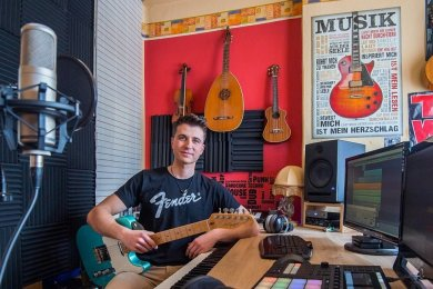 Damit ging ein lang gehegter Traum für Florian Stölzel in Erfüllung: Er hat sich ein eigenes Musikstudio eingerichtet.