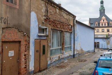 Diese Gebäude der alten Peniger Brauerei hat die Stadt Anfang Juli übernommen. Nun wird die Umgestaltung mit den Bürgern diskutiert.