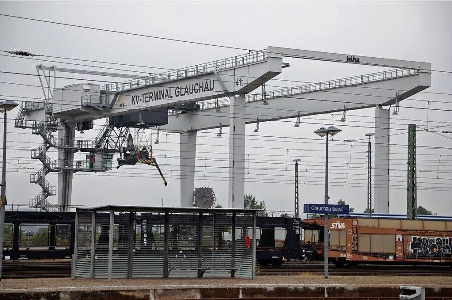 Der Portalkran am Güterverkehrszentrum steht schon mehrere Jahre lang still.
