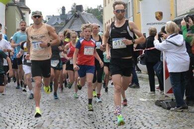 Über fast 200 Starter von Jung bis Alt freuten sich die Organisatoren des Schwarzenberger Edelweißlaufs.