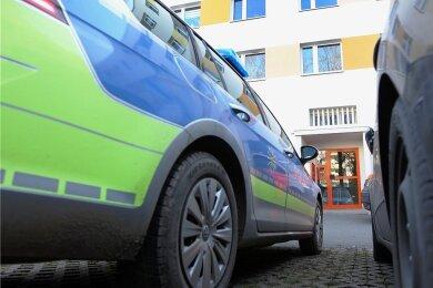 In diesem Block an der Straße der Deutschen Einheit in Plauen wurde die Babyleiche vor einem Jahr gefunden. Die Mutter hatte das Baby in der Duschkabine zur Welt gebracht.