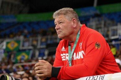 Wohin geht die Reise? Sven Lang - hier im August 2016 als Trainer von Christina Schwanitz bei den Olympischen Spielen in Rio - trägt nun auch für Diskus-, Hammer- und Speerwerfen im Deutschen Leichtathletik-Verband die Verantwortung. Aktuell schaut er auf das kommende Großereignis, die Olympischen Spiele in Tokio.