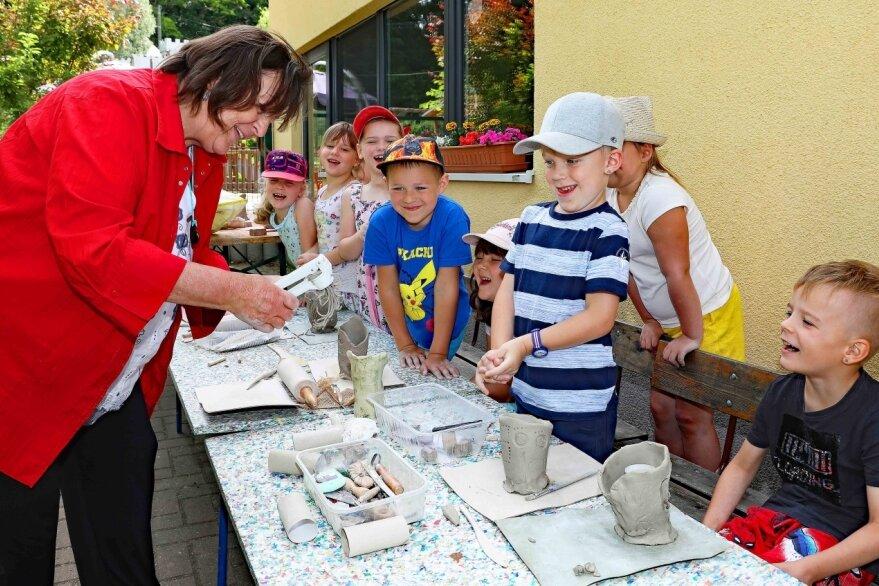 Spatzengruppe töpfert Vasen