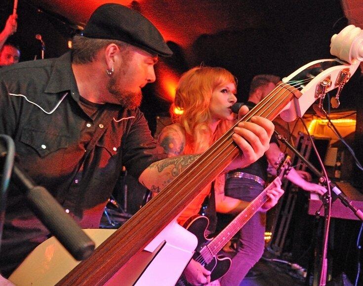 """<p class=""""artikelinhalt"""">Der Bunker war bekannt für Konzerte mit alternativen Bands - so wie im August 2009 The Creepshow aus Kanada. Jetzt bleibt der Klub am Rosenplatz bis auf Weiteres geschlossen. </p>"""