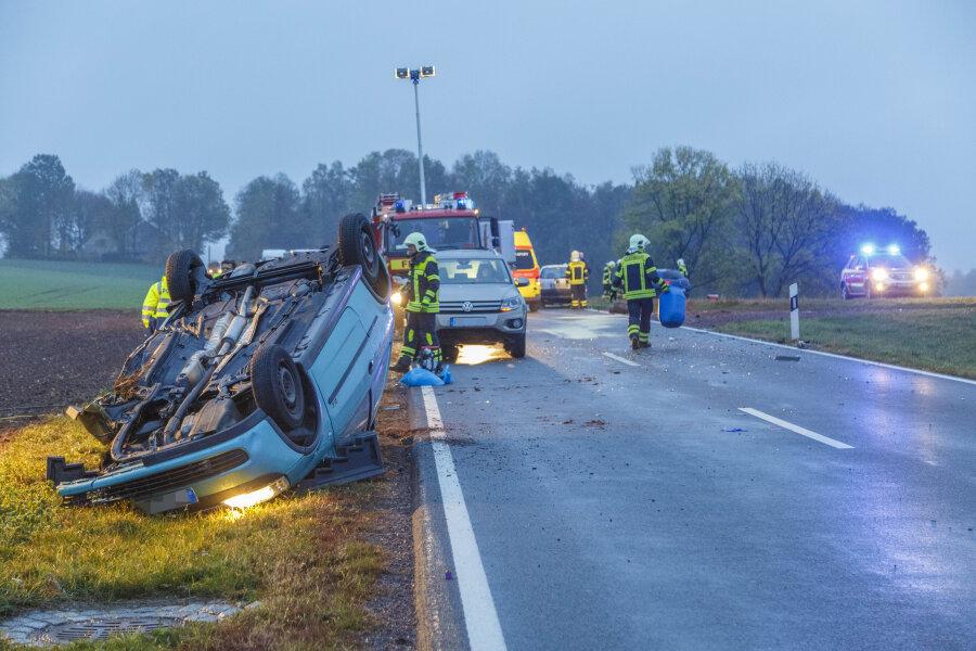 Schwerer Unfall mit zwei schwer Verletzten zwischen Lugau und Oberlungwitz