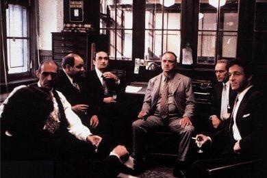"""Szene aus dem Francis-Ford-Coppola-Film """"Der Pate"""" von 1972. Als Vorlage diente Mario Puzos gleichnamiger Roman. Puzo schrieb auch das Drehbuch zum Mafia-Klassiker."""