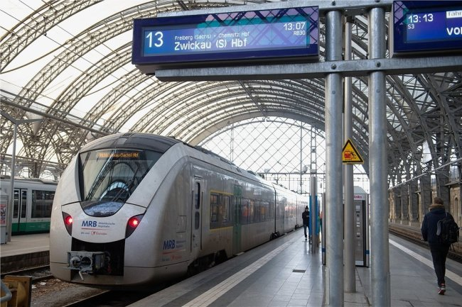 Ein Zug der Mitteldeutschen Regiobahn. Im März und April waren die Fahrgastzahlen im MRB-Netz im Schnitt um 70 Prozent zurückgegangen. Derzeit liegen sie noch 15 bis 20 Prozent unter den Vorjahreswerten.