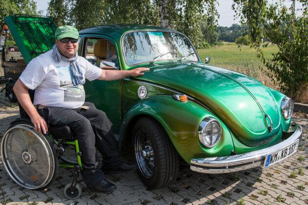 "Kai Bergmann mit seinem ""Knatti"""