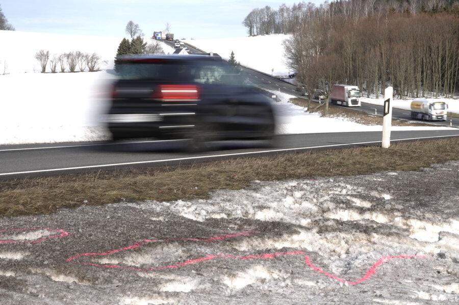 Nach Unfall mit Todesfolge im Erzgebirge - Fahrer stellt sich