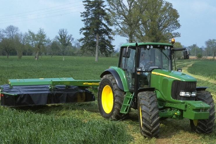 Agrarbetrieb: Radlader wieder da, aber Traktor fehlt