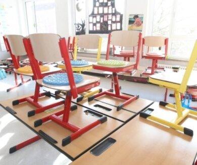 Sachsens Kultusminister Christian Piwarz (CDU) rechnet damit, dass es an den Grundschulen in den kommenden Tagen wegen der nun geltenden Bundes-Notbremse zu Problemen kommen wird.