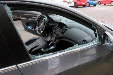 Derzeit werden in Zwickau wieder vermehrt Seitenscheiben von Autos eingeschlagen.