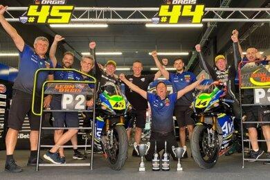 Zwei Pokale brachten die Brüder Leon (Fahrer links) und Kevin Orgis aus Barcelona mit nach Sachsen.