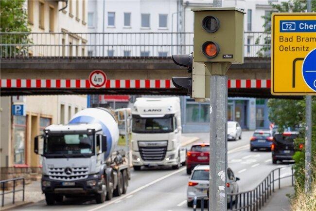 Die erste Rotlichtüberwachungsanlage wurde in der Stadt Plauen bereits im Jahr 2016 an der Kreuzung Böhler-/Wiesenstraße aufgebaut.