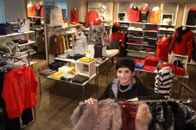 Jaqueline Balzer darf in ihrem Modegeschäft in Glauchau ab Montag, wie viele andere Händler auch, nicht mehr verkaufen.