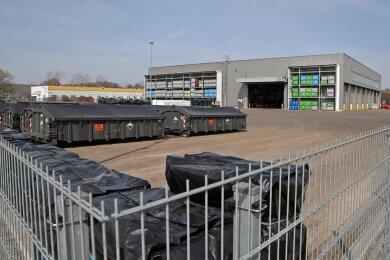 Auf der Asphaltfläche der Firma Ubatt soll der Container zur Lagerung von gefährlichen Abfällen aufgestellt werden.