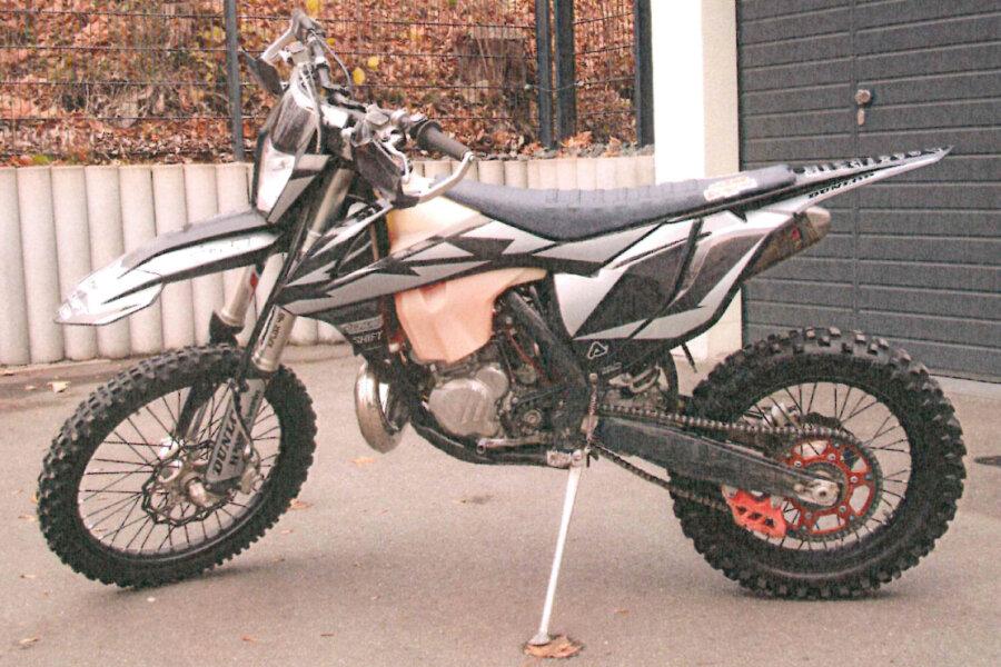 Ein Auerbacher soll mehrere Motorräder entwendet haben, darunter diese Cross-Maschine.