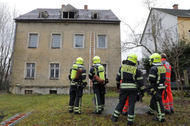 Nach 15 Minuten war der Einsatz an der Bahnstraße im Stadtteil Schönau beendet.