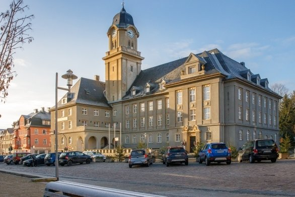 Am 3. Dezember 1920 wurde Geyers Rathaus eingeweiht.
