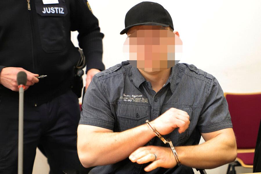 Der Angeklagte aus dem Raum Flöha schwieg am Freitag vor Gericht, vermutlich weil er seine Kinder in Gefahr sieht.