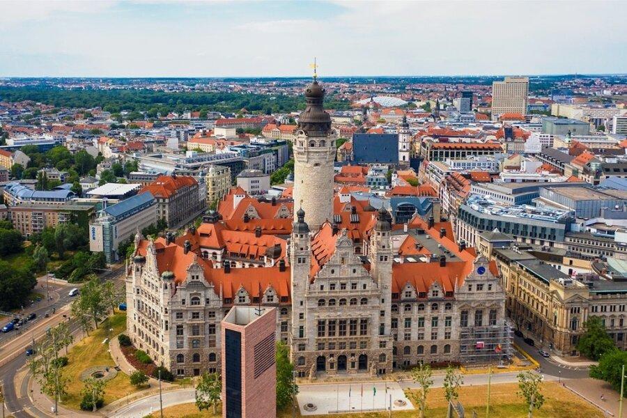 Die Innenstadt von Leipzig mit dem neuen Rathaus.