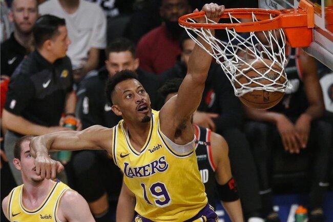 Johnathan Williams in Aktion. Der Neuzugang der Niners ist vor allem für seine Sprungkraft und seine Dunkings bekannt. Hier netzt er im April 2019 im Spiel seiner Los Angeles Lakers gegen die Portland Trail Blazers ein.
