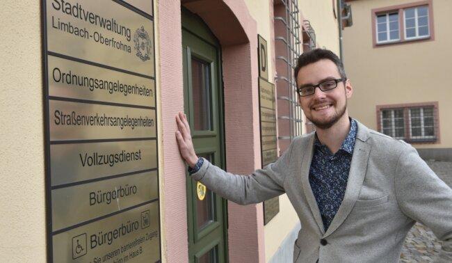 Der neue Bürgermeister Robert Volkmann wird sich im Limbach-Oberfrohnaer Rathaus um Ordnungsangelegenheiten kümmern. Außerdem gehören Bauprojekte und Wirtschaftsförderung zum Aufgabengebiet des Verwaltungsfachmannes.