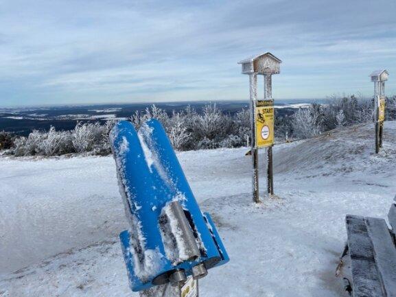 Auf dem Fichtelberg wehte am Sonntag ein eisiger Wind.