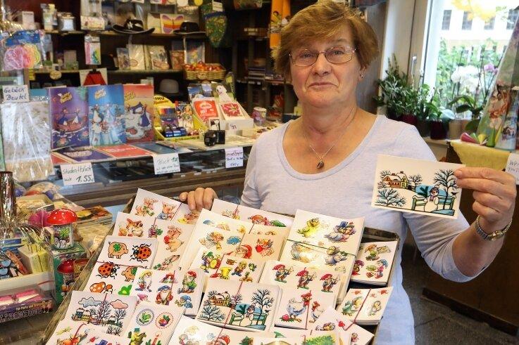 Auch DDR-Abziehbilder sind im Schreibwarenladen von Sigrid Bätz, der kommenden Freitag schließt, noch zu haben.