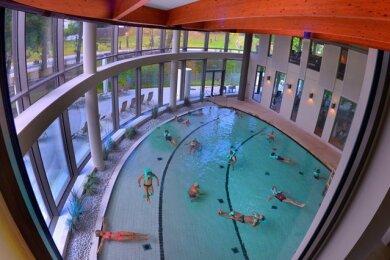 Als eine der ersten Thermen in Sachsen öffnet am Samstag das Solebad in Bad Elster nach der Corona-Zwangspause wieder.