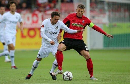 Nicolai Müller (l.) trifft für die Eintracht