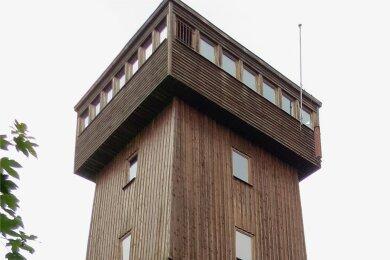 Der Kapellenbergturm Schönberg aus dem Jahr 1993.