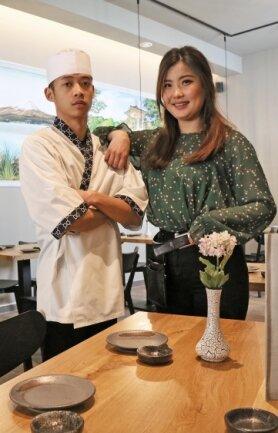 Duong Quoc Do und Amarbayasgalan von Strenge, genannt Aya, hoffen, bald Gäste in ihrem japanischen Restaurant begrüßen zu können. Derzeit gibt es alle Gerichte nur zum Abholen oder geliefert.