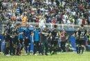 Maradona (M.) feiert sein gelungenes Debüt