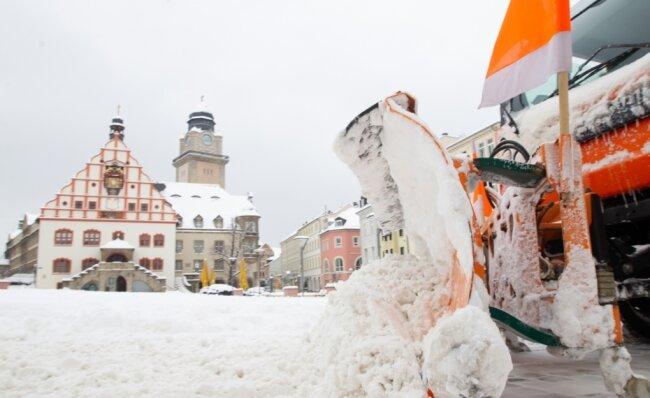 """Bis zu 40 Zentimeter Neuschnee brachte Tief """"Tristan"""": Das gab es seit Jahren in Plauen nicht mehr."""