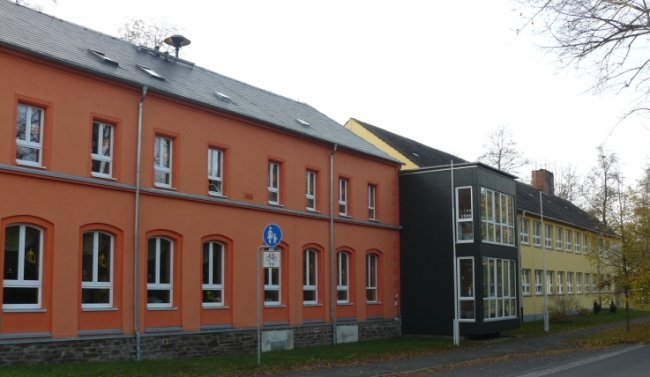 Die Grundschule Oberschöna wird für 130.000 Euro mit Computertechnik aufgerüstet. Über den Digitalpakt gibt es 86.000 Euro Zuschuss.