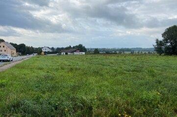 Das Areal des künftigen Wohnbaugebietes an der B 180.