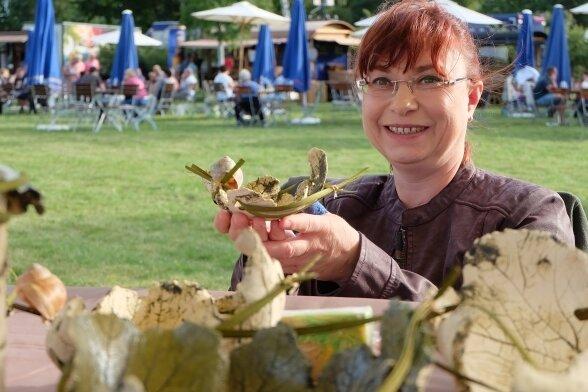 Heike Weber aus Gersdorf mit ihren Keramikarbeiten.
